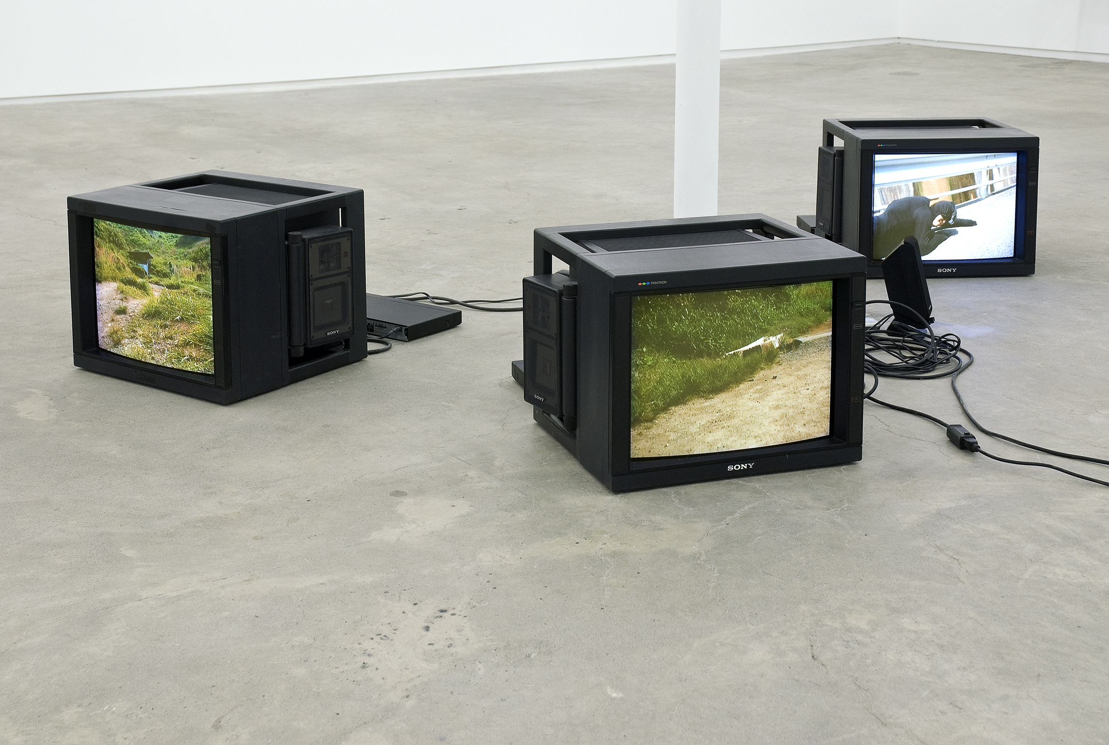 Jin-me Yoon, As It Is Becoming (Beppu, Japan): Ear to Ground, 2008, HD video, 14 minutes, 12 seconds  by