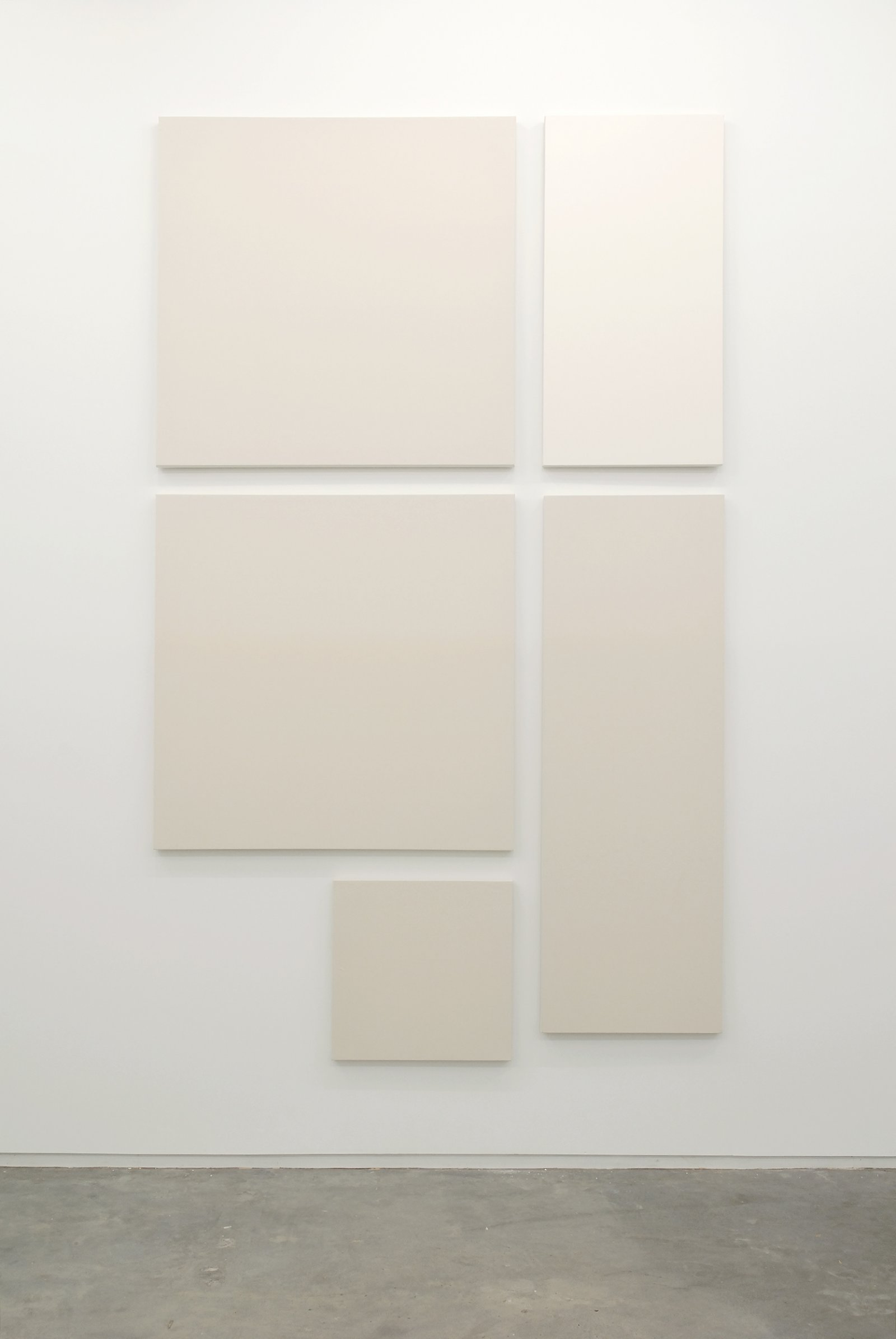 Arabella Campbell, Total Surface Area Equal to the Space Behind You, 2007, acrylic on canvas, 5 panels, 2: 48 x 48 in. (122 x 122 cm), 1: 24 x 24 in. (61 x 61 cm), 1: 72 x 24 in. (183 x 61 cm), 1: 24 x 24 in. (61 x 61 cm) by