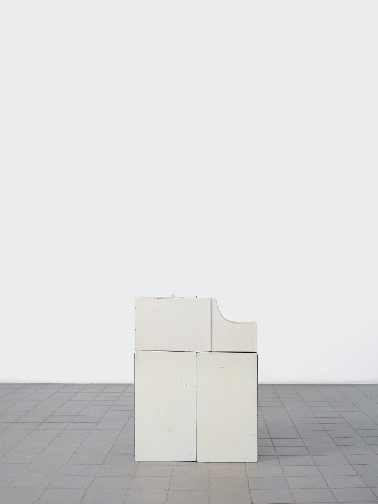 Geoffrey Farmer, Battered Moonlight (Pale Fire Freedom Machine), 2005, lightjet (endura archival photo paper), 50 x 38 in. (126 x 97 cm)
