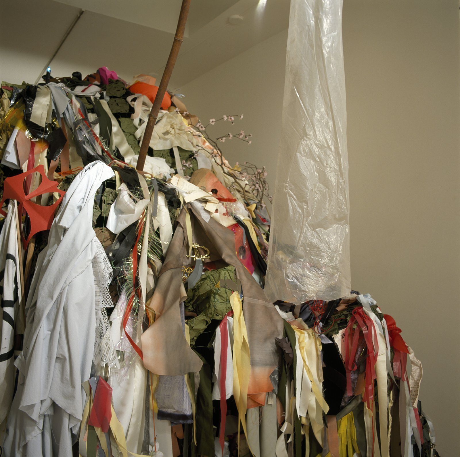Geoffrey Farmer,Every surface in someway decorated, altered, or changed forever (except the float), 2004, mixed media, dimensions variable