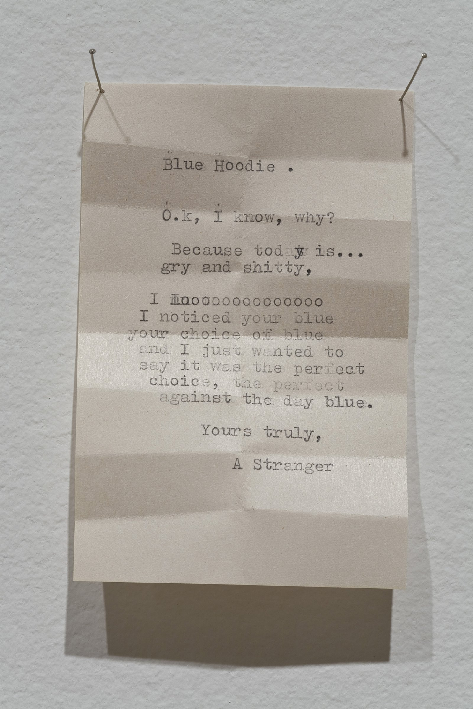 Geoffrey Farmer,Notes For Strangers, 1989–1990, small typewriter, 6 typewritten notes on paper, transfer ticket, shelf with plexiglass top, dimensions variable