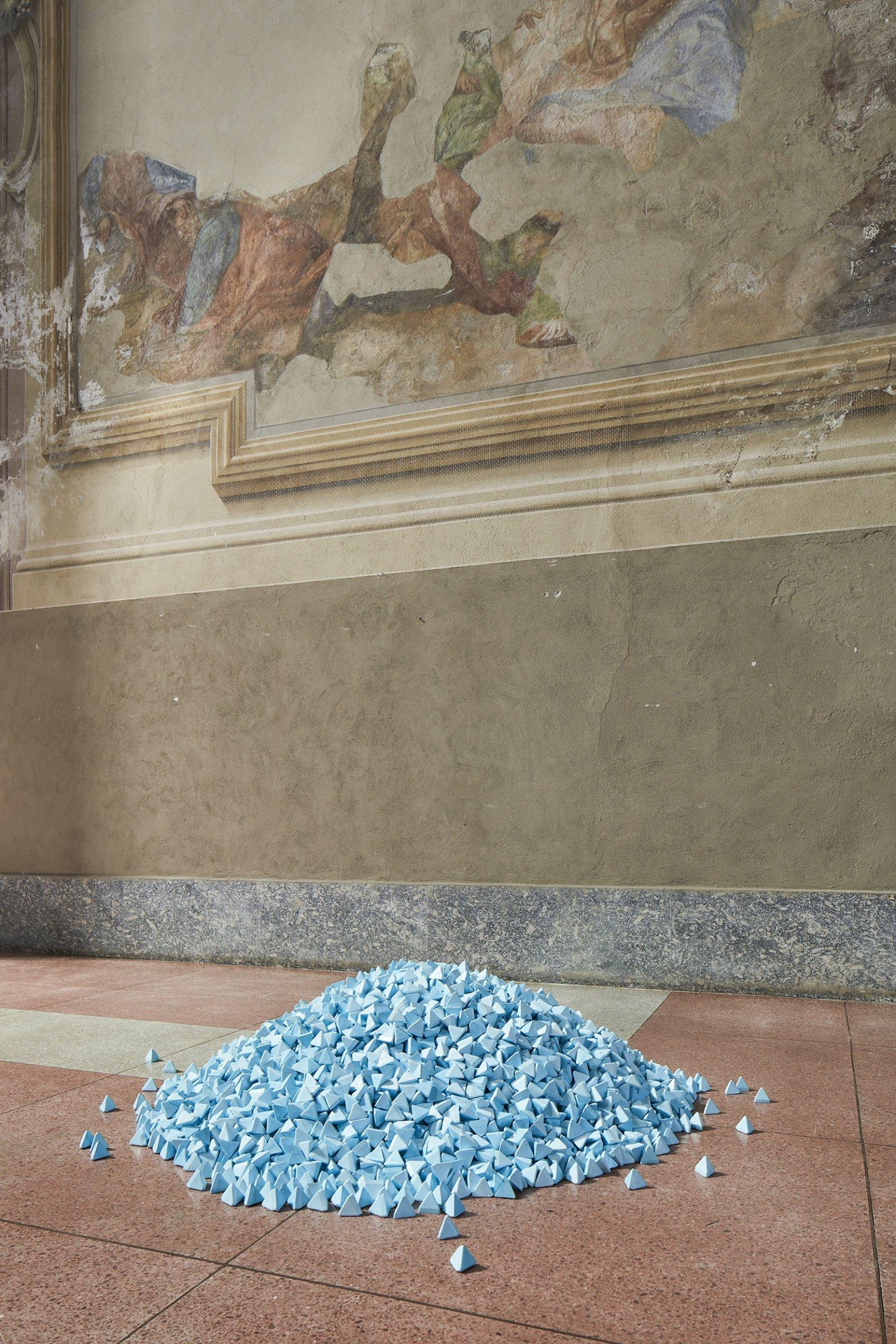 Christina Mackie, People Powder, 2018, animations and plastic media, dimensions variable. Installation view, People Powder, Spazio Culturale Antonio Ratti, ex Chiesa di San Francesco, Como, 2018 by Christina Mackie
