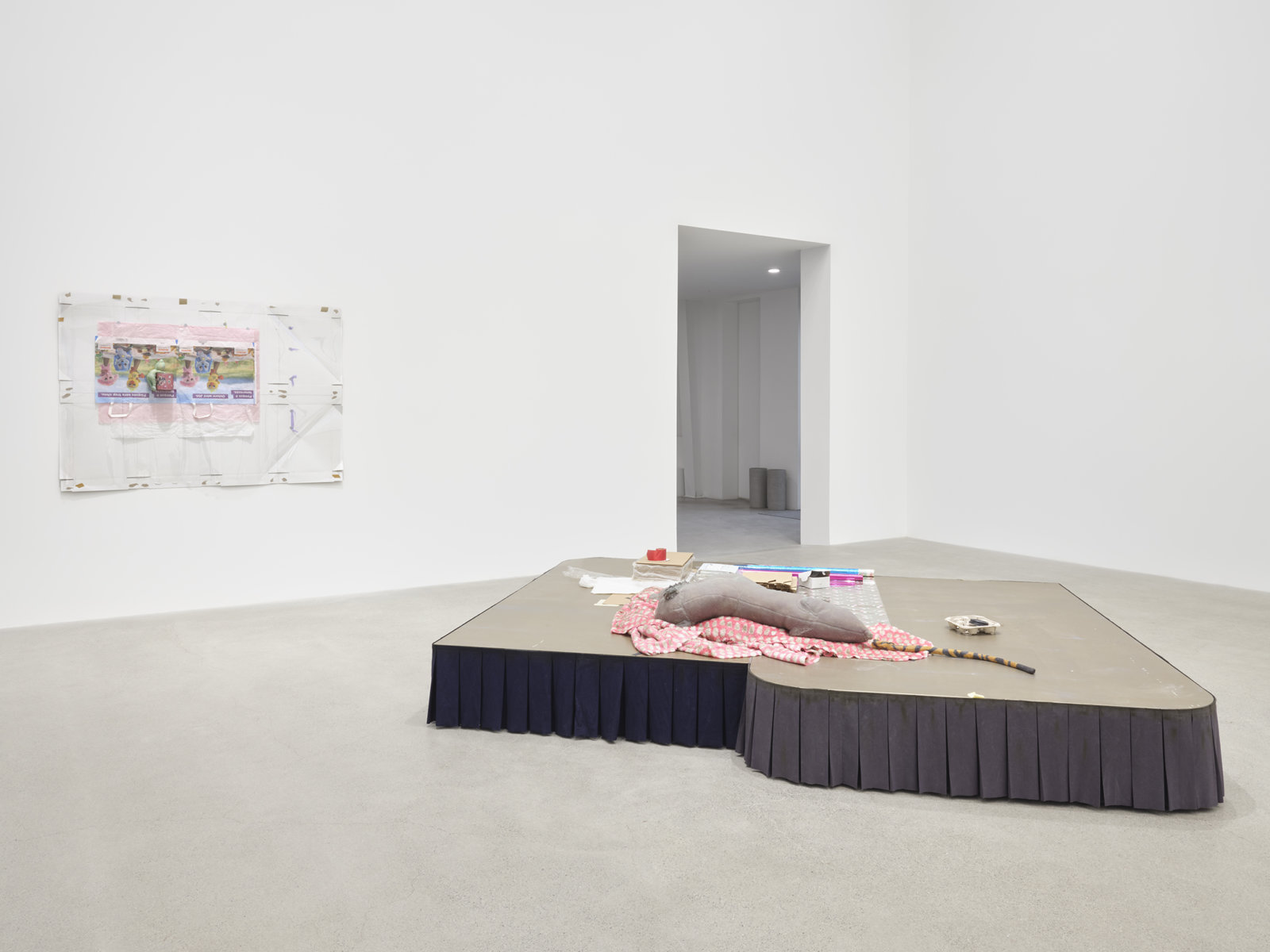 Liz Magor, installation view, Downer, Catriona Jeffries, Vancouver, 2020 by Liz Magor