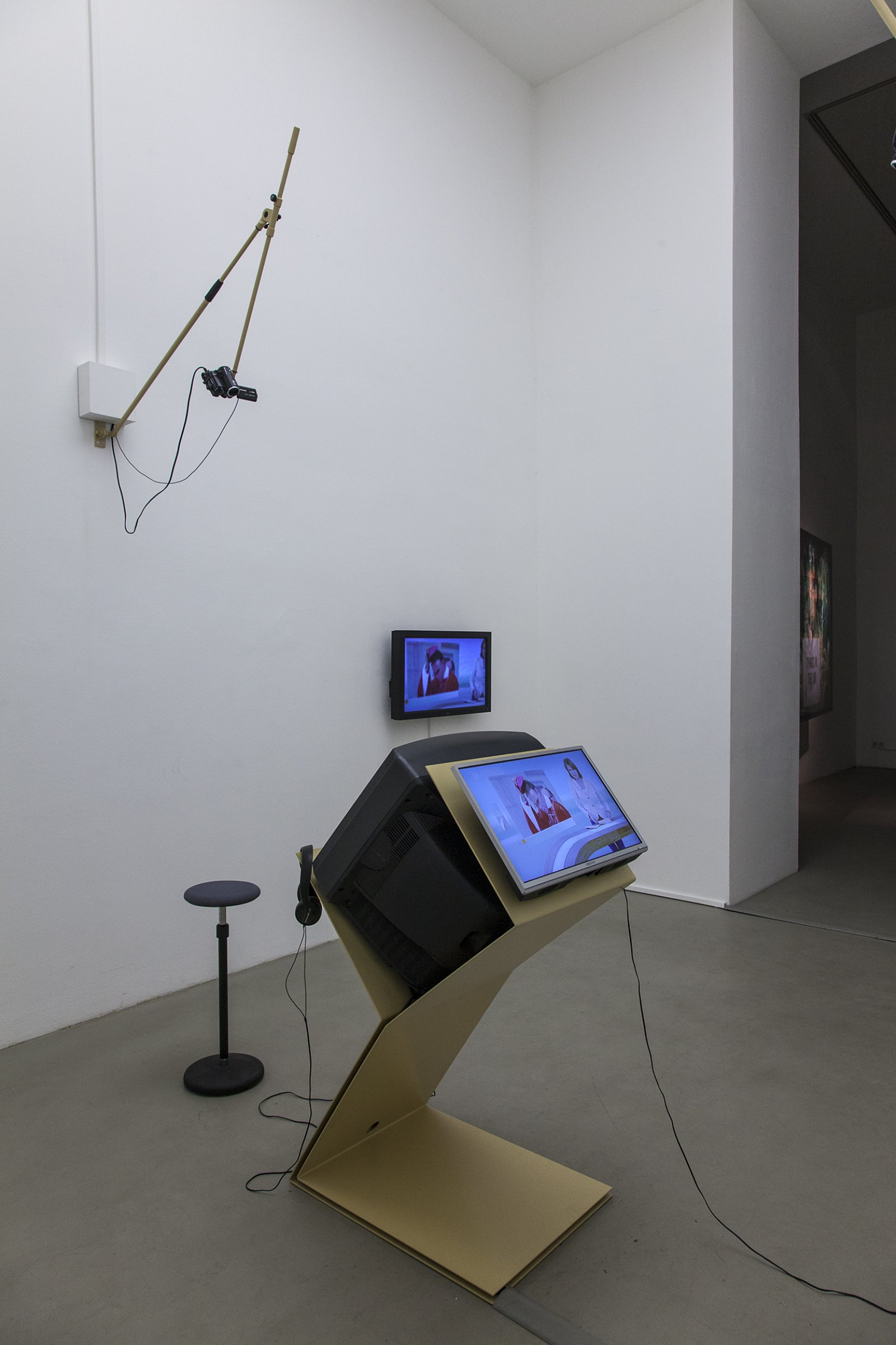 Judy Radul, A CONTAINER CONTAINING NOT ONE TV, 2013, mixed media, dimensions variable. Installation view, ThisisTelevision,Daadgalerie,Berlin,Germany, 2013 by Judy Radul