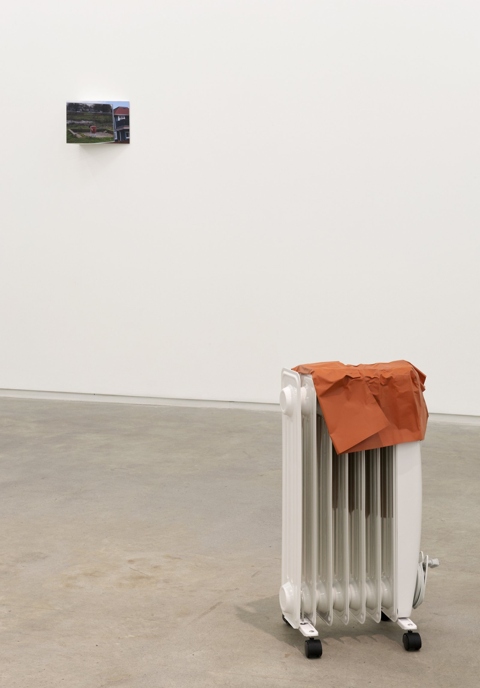 Judy Radul, Object Analysis Spectator Poem (Heater), 2012, painted copper, heater, colour photograph, heater: 26 x 15 x 11 in. (65 x 38 x 28 cm), photo: 8 x 11 x 5 in. (20 x 28 x 13 cm)  by Judy Radul