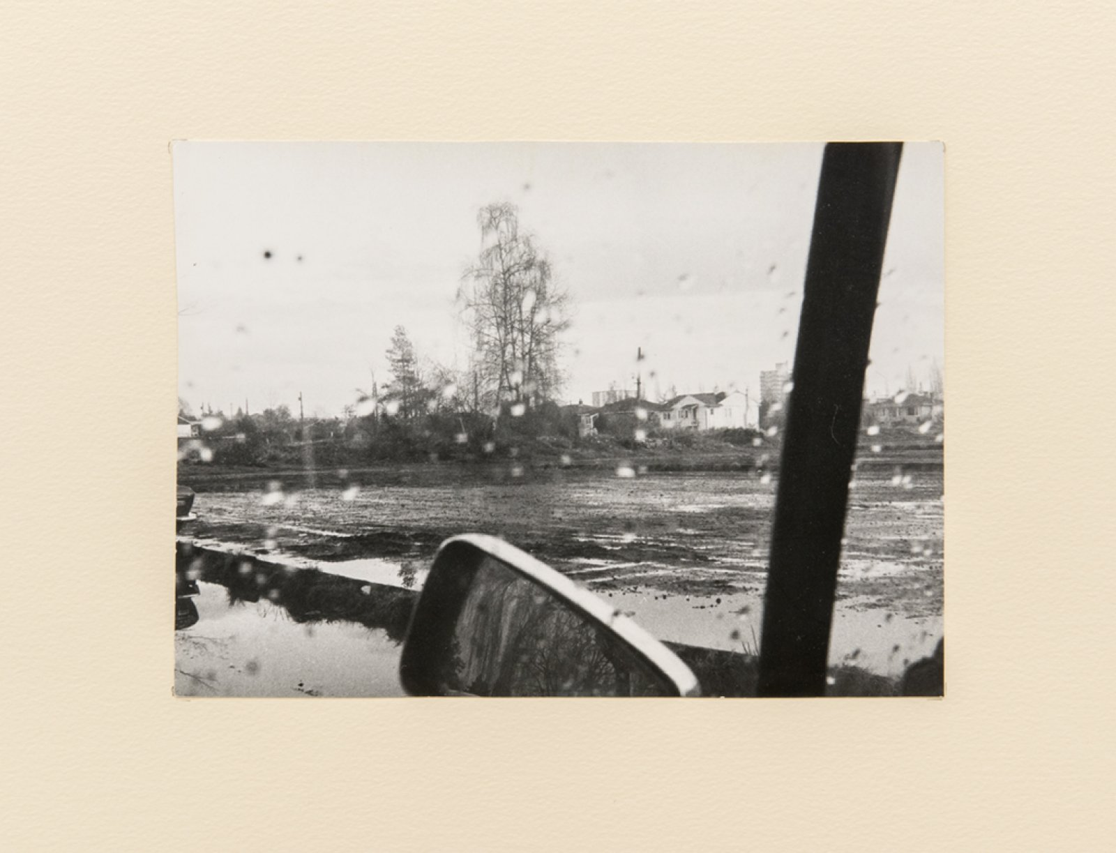 Ian Wallace, Untitled, 1970–1995, silver print mounted on paper,7 x 10 in. (18 x 24 cm)
